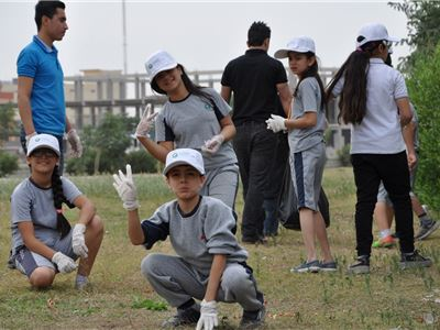 Kalar Students Clean Up the Community